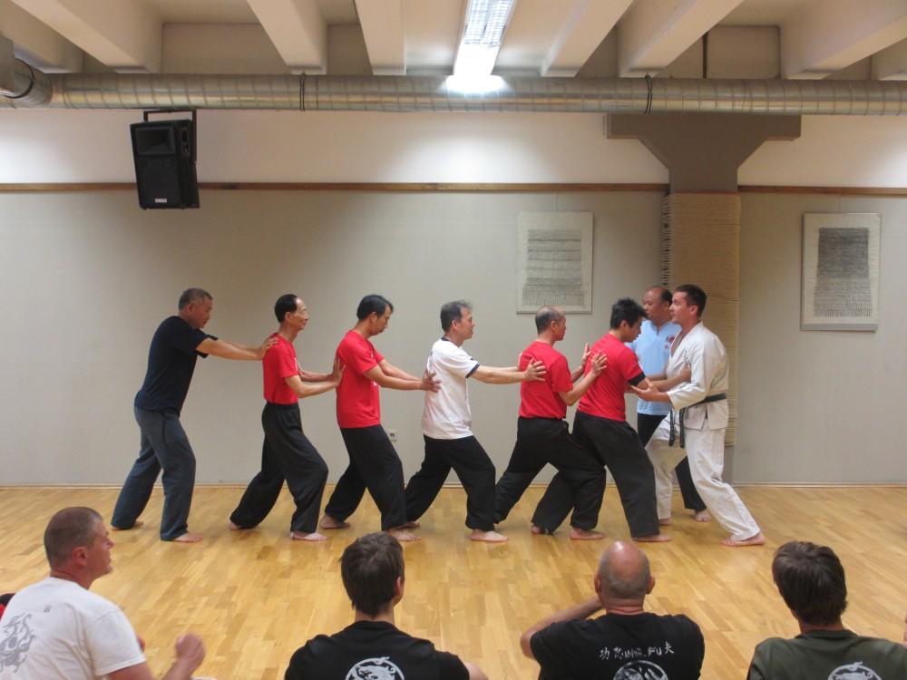 Del živahnega seminarja je bila tudi izmenjava med karateisti in pristaši taijiquana.